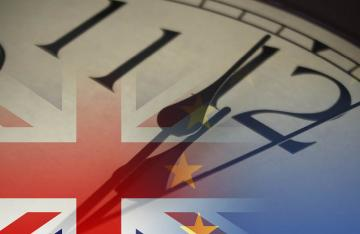 clock and union jack flag